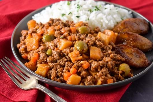 Ground beef Cuban Style (Picadillo)